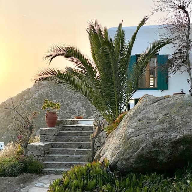 Sunset view of a Greek house | bucketlistmylife.com